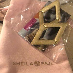 Brand new Shelia earrings just never worn